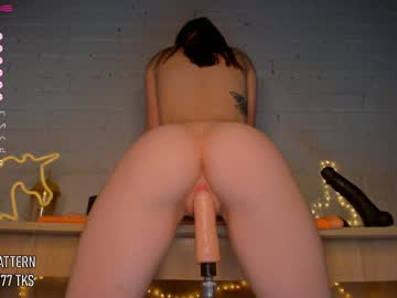 crystalreves's live sex show