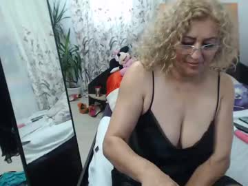 lady_dy4u's live sex show