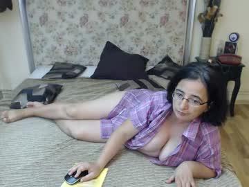 onehairyangel's live sex show