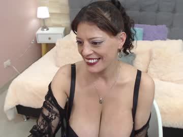 Fresh companion Abril_777 (Abril_777) cheerfully humps with smiling dildo on xxx cam