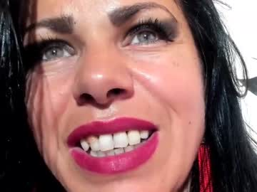 alice696969's chat room