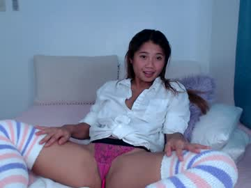 Alive model Sky (Allforshow93) roughly screws with ruthless butt plug on xxx chat