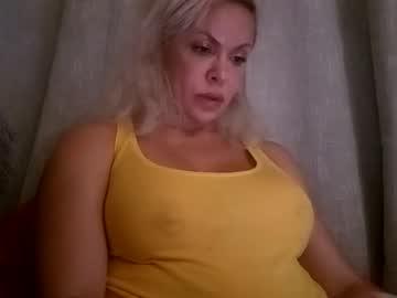 https://roomimg.stream.highwebmedia.com/ri/cheatinwife.jpg?1555892340