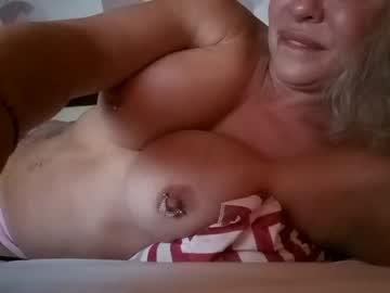 https://roomimg.stream.highwebmedia.com/ri/cheatinwife.jpg?1555893060