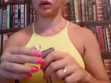 https://roomimg.stream.highwebmedia.com/ri/cheatinwife.jpg?1558372740