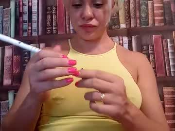 https://roomimg.stream.highwebmedia.com/ri/cheatinwife.jpg?1558372860