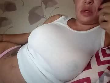 https://roomimg.stream.highwebmedia.com/ri/cheatinwife.jpg?1563743280