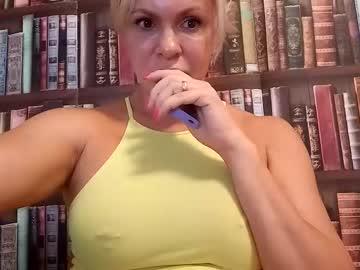 https://roomimg.stream.highwebmedia.com/ri/cheatinwife.jpg?1563757830