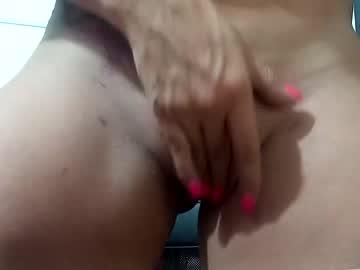https://roomimg.stream.highwebmedia.com/ri/cheatinwife.jpg?1563757890