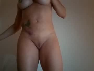 https://roomimg.stream.highwebmedia.com/ri/cheatinwife.jpg?1563758310