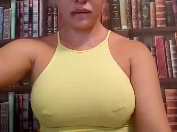 https://roomimg.stream.highwebmedia.com/ri/cheatinwife.jpg?1563759840
