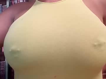 https://roomimg.stream.highwebmedia.com/ri/cheatinwife.jpg?1575817710