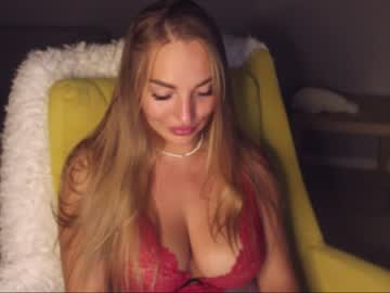 Outrageous prostitute CherryBomb (Cherry_bomb19) cheerfully humps with smooth fingers on online xxx cam