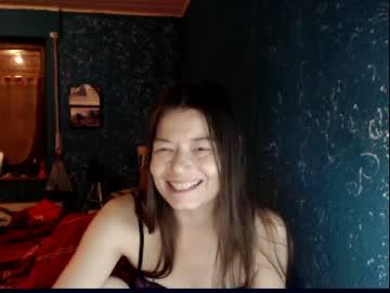 Robust daredevil Chiara (Chiara177) cheerfully humps with smiling dildo on xxx cam