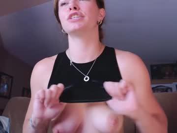 https://roomimg.stream.highwebmedia.com/ri/chroniclove.jpg?1556058330