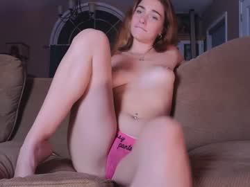 https://roomimg.stream.highwebmedia.com/ri/chroniclove.jpg?1563235560