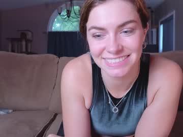 https://roomimg.stream.highwebmedia.com/ri/chroniclove.jpg?1563236640