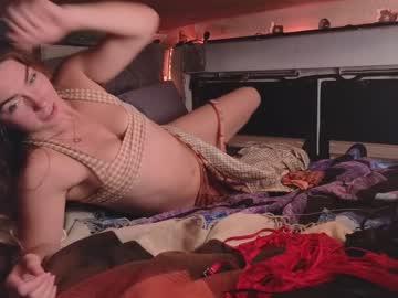 https://roomimg.stream.highwebmedia.com/ri/chroniclove.jpg?1574223120