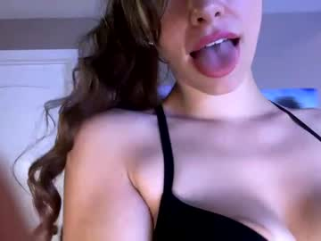 https://roomimg.stream.highwebmedia.com/ri/chroniclove.jpg?1580164380