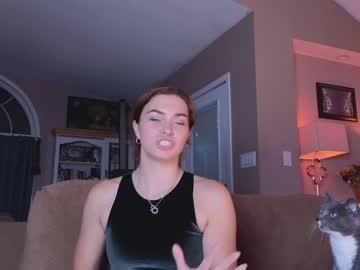 https://roomimg.stream.highwebmedia.com/ri/chroniclove.jpg?1582935570