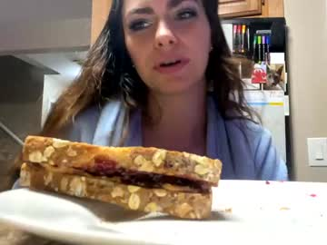 https://roomimg.stream.highwebmedia.com/ri/chroniclove.jpg?1590720360