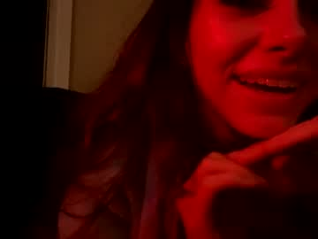 https://roomimg.stream.highwebmedia.com/ri/chroniclove.jpg?1590722610