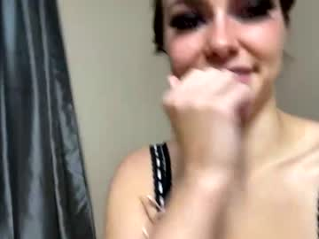 https://roomimg.stream.highwebmedia.com/ri/chroniclove.jpg?1594511010