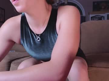 https://roomimg.stream.highwebmedia.com/ri/chroniclove.jpg?1596674430