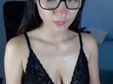 crystalcooper19chr(92)s chat room