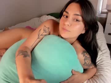 https://roomimg.stream.highwebmedia.com/ri/doubedeesarai.jpg?1571890980