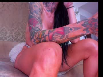 https://roomimg.stream.highwebmedia.com/ri/eves_bodyxxx.jpg?1571221980