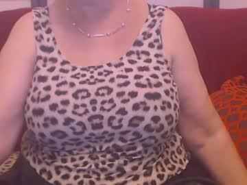 flirtyboobs's chat room
