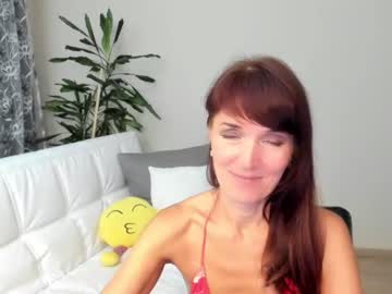 Excited babe Fritha fiercely mates with forceful vibrator on online xxx cam