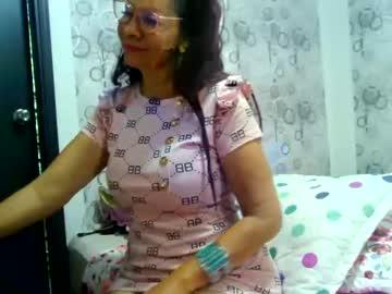 girlhot903's chat room