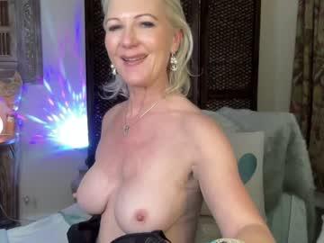 gl1tter_barbie's chat room