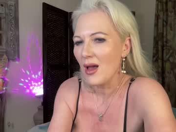 gl1tter_barbie online webcam