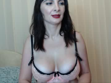 h_o_t_t_i_e's chat room