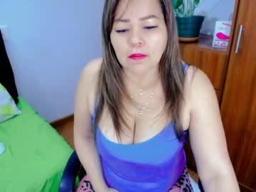 isabella_hotxxx's chat room