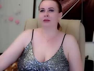 Dirty hottie IvettaSplash (Ivettasplash) nervously slammed by discreet magic wand on adult chat