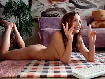 Depressed girl Jennycutey (Jennycutey) tensely sleeps with extroverted magic wand on sex cam