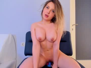 https://roomimg.stream.highwebmedia.com/ri/kittycaitlin.jpg?1558391880