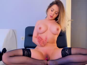 https://roomimg.stream.highwebmedia.com/ri/kittycaitlin.jpg?1558391940