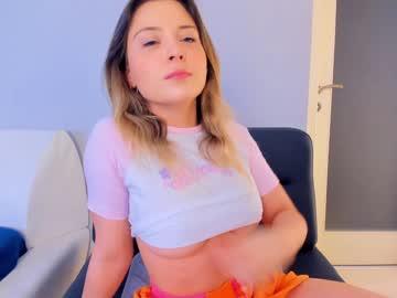 https://roomimg.stream.highwebmedia.com/ri/kittycaitlin.jpg?1561072440