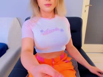https://roomimg.stream.highwebmedia.com/ri/kittycaitlin.jpg?1561073280
