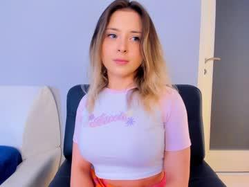 https://roomimg.stream.highwebmedia.com/ri/kittycaitlin.jpg?1561513350
