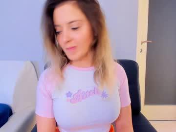 https://roomimg.stream.highwebmedia.com/ri/kittycaitlin.jpg?1563765960