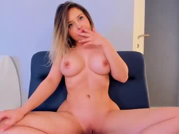 https://roomimg.stream.highwebmedia.com/ri/kittycaitlin.jpg?1563768030