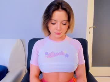 https://roomimg.stream.highwebmedia.com/ri/kittycaitlin.jpg?1594434120
