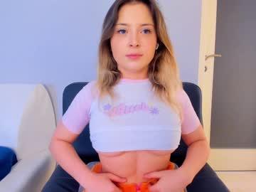 https://roomimg.stream.highwebmedia.com/ri/kittycaitlin.jpg?1596739530