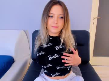 https://roomimg.stream.highwebmedia.com/ri/kittycaitlin.jpg?1597275510